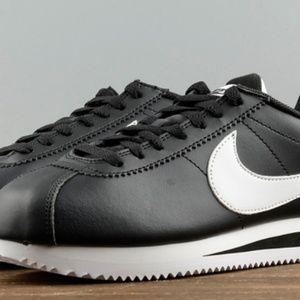 Nike Classic Cortez Shoes Black White 807471 010